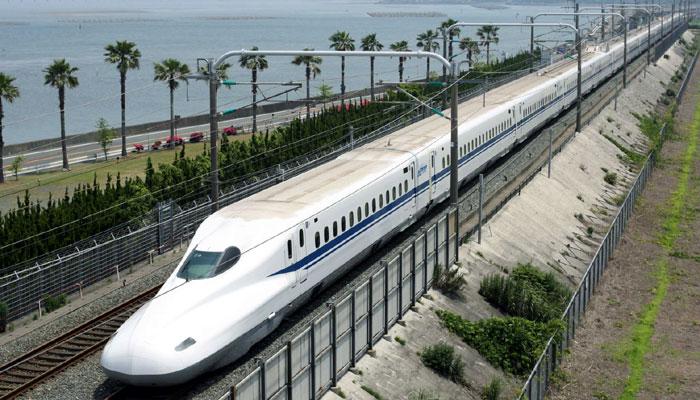 Đầu tư đường sắt tốc độ cao Bắc – Nam: Băn khoăn các phương án lựa chọn - Ảnh 1.