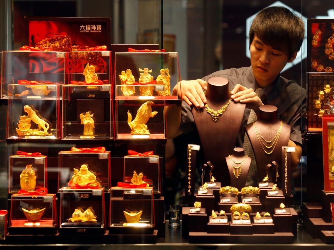 Trung Quốc bật đèn xanh để các ngân hàng thương mại gom hàng trăm tấn vàng - Ảnh 1.
