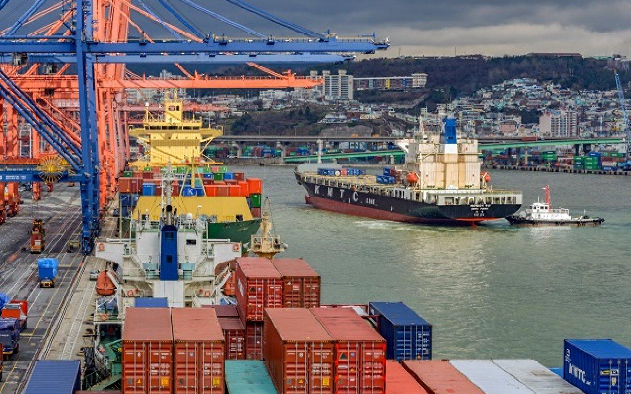 Xuất nhập khẩu Việt Nam và Hàn Quốc tháng 3/2021: Thâm hụt hơn 2,2 tỷ USD - Ảnh 1.