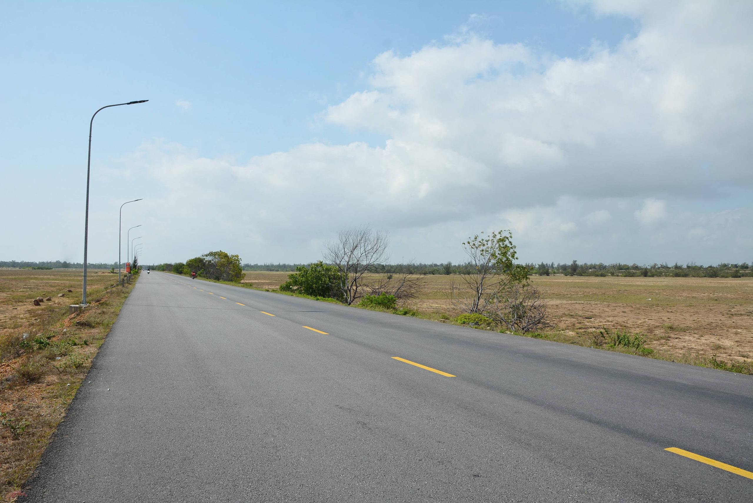 Con đường ở Quảng Nam có nhiều dự án du lịch, bất động sản nghìn tỷ đồng - Ảnh 2.