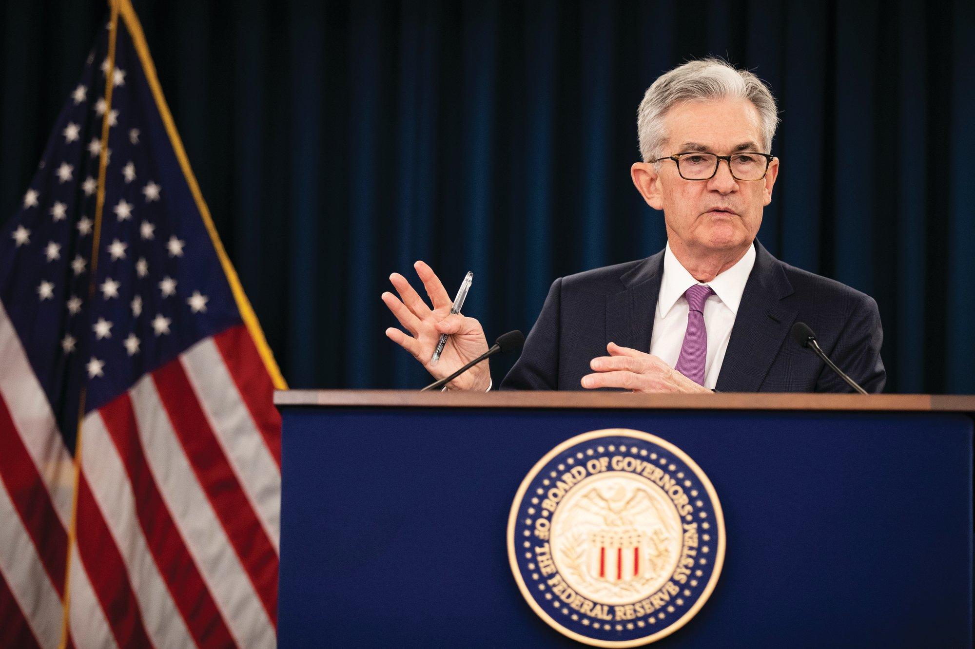 Fed nâng triển vọng kinh tế Mỹ nhưng giữ nguyên lãi suất gần mức 0 - Ảnh 2.