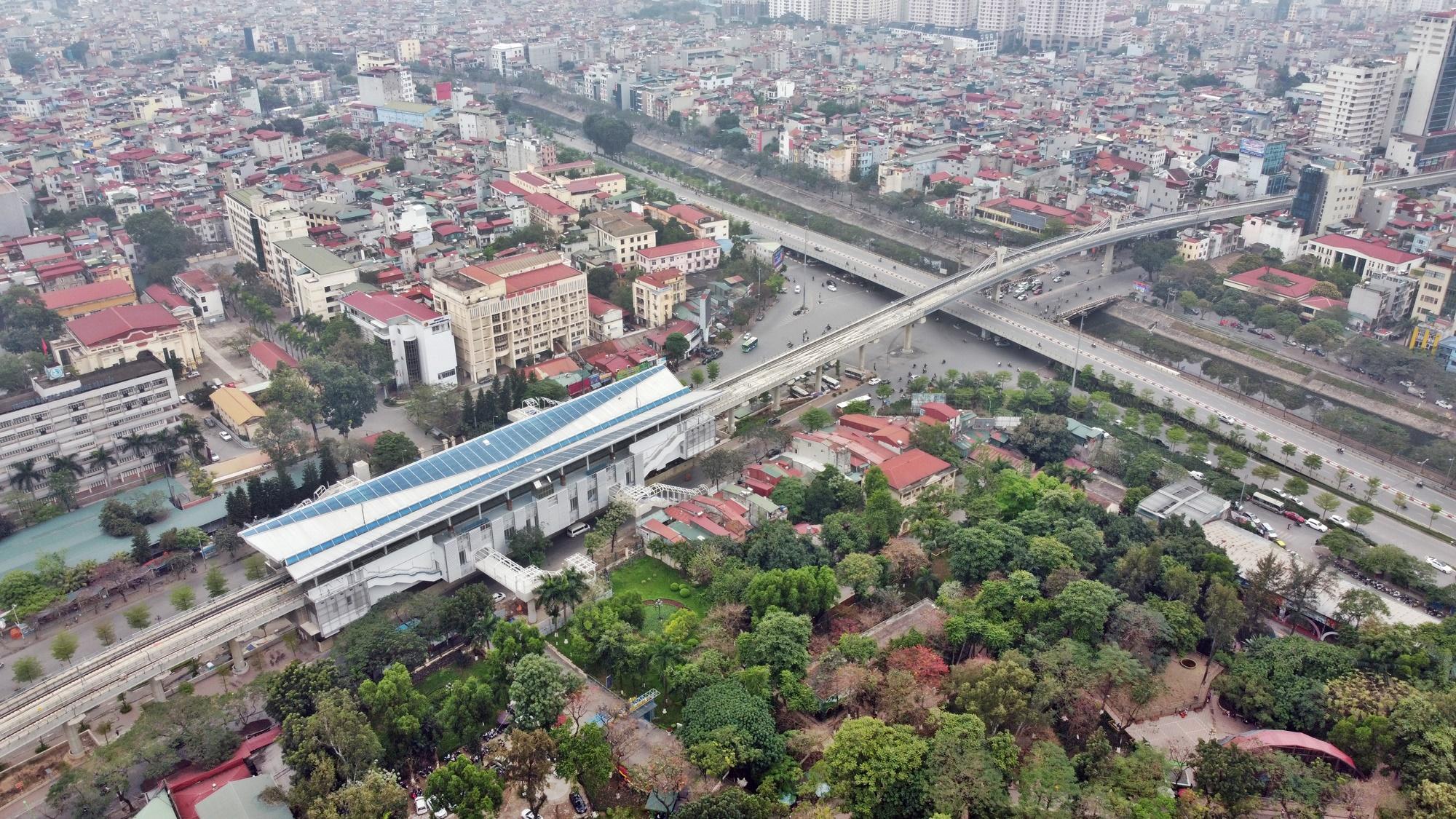 Hình ảnh đường sắt Nhổn - ga Hà Nội khi 'đến hẹn' vận hành đoạn trên cao - Ảnh 4.