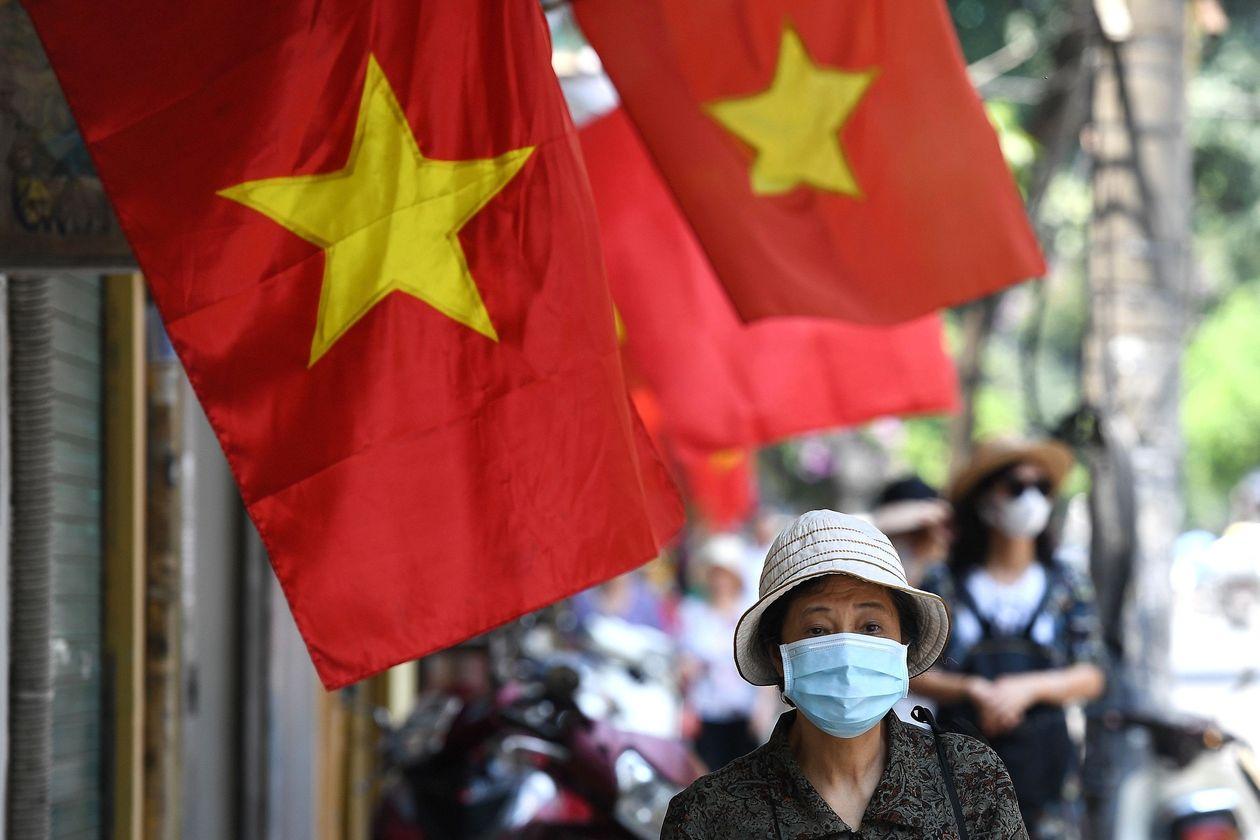 Barron's: Kế hoạch đầu tư cơ sở hạ tầng lớn giúp Việt Nam thu hút nhà đầu tư ngoại  - Ảnh 1.