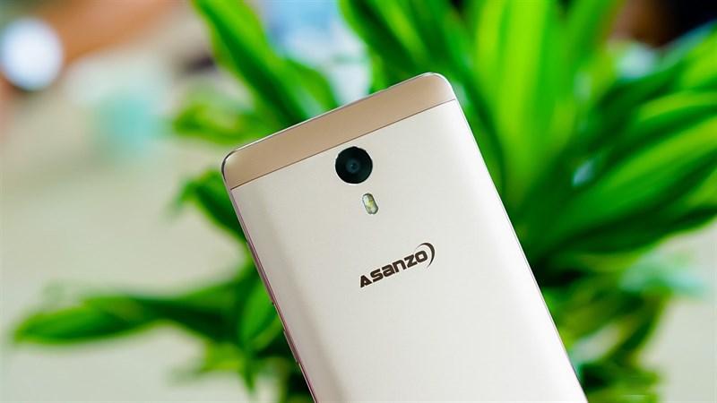 Smartphone 'Made in Việt Nam' và nỗi đau gục ngã ngay trên sân nhà - Ảnh 2.