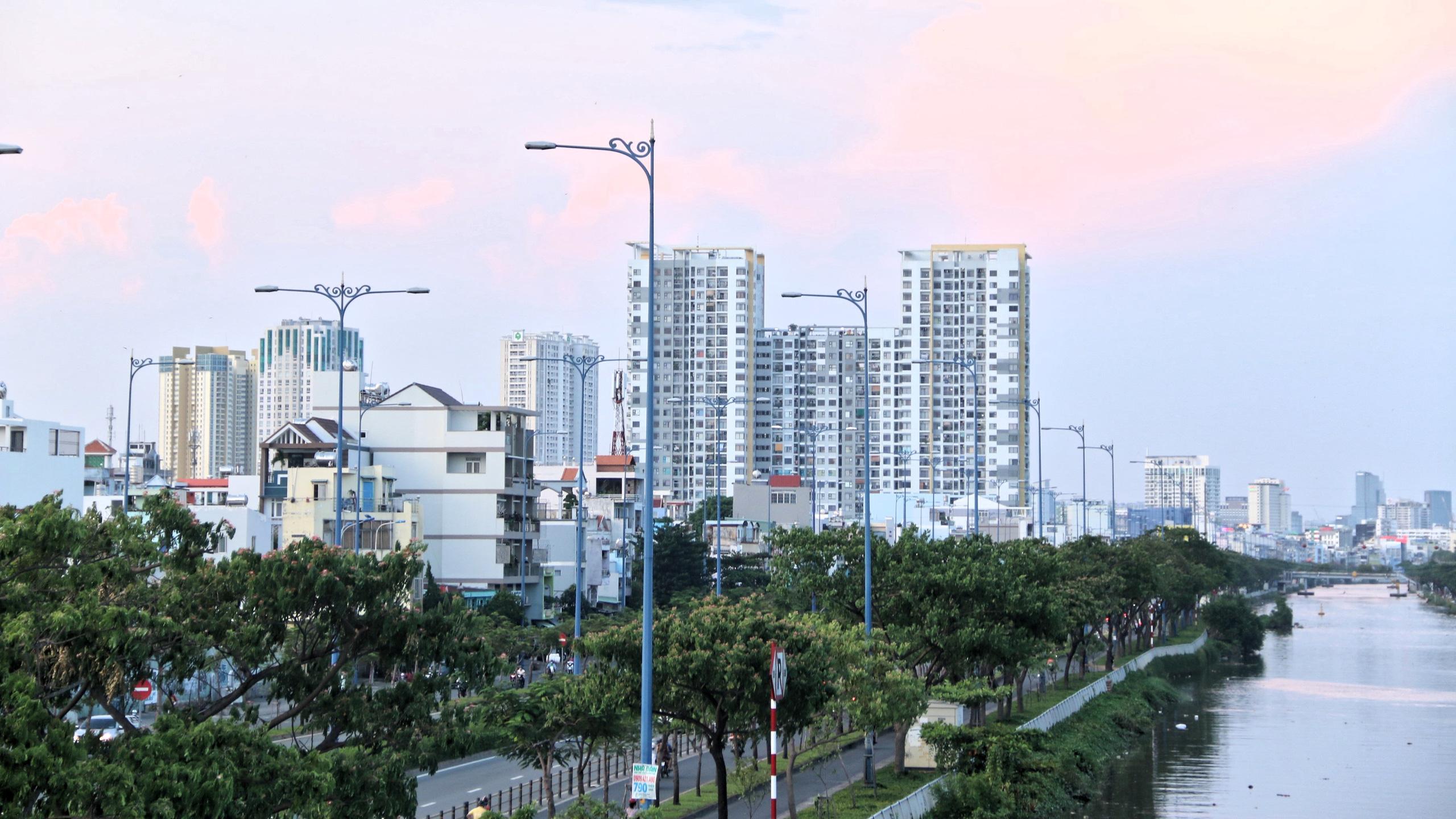 Cận cảnh Đại lộ Đông Tây của TP HCM sau gần một thập kỷ - Ảnh 8.