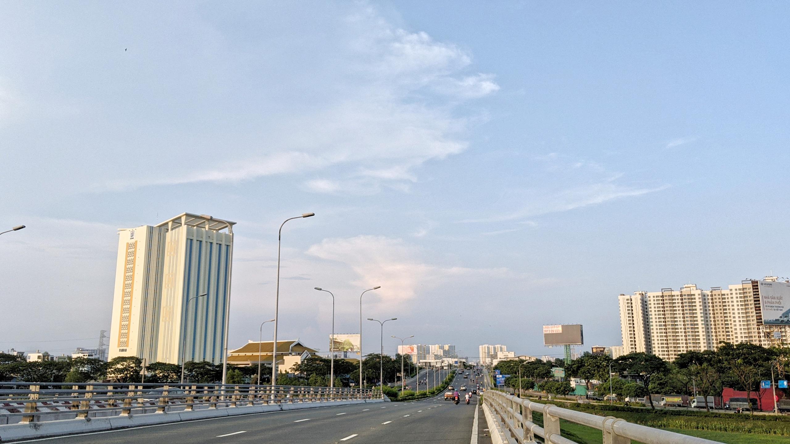 Cận cảnh Đại lộ Đông Tây của TP HCM sau gần một thập kỷ - Ảnh 1.