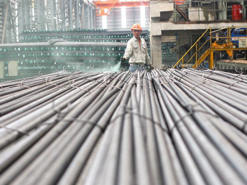 Ùn ùn nhập khẩu sắt thép Trung Quốc cũng chưa hạ nhiệt được giá thép trong nước - Ảnh 2.