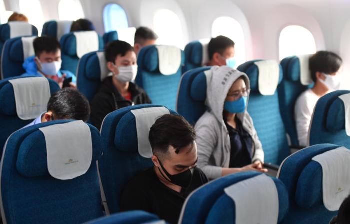 Mua vé máy bay được tặng miễn phí ghế trống bên cạnh - Ảnh 1.