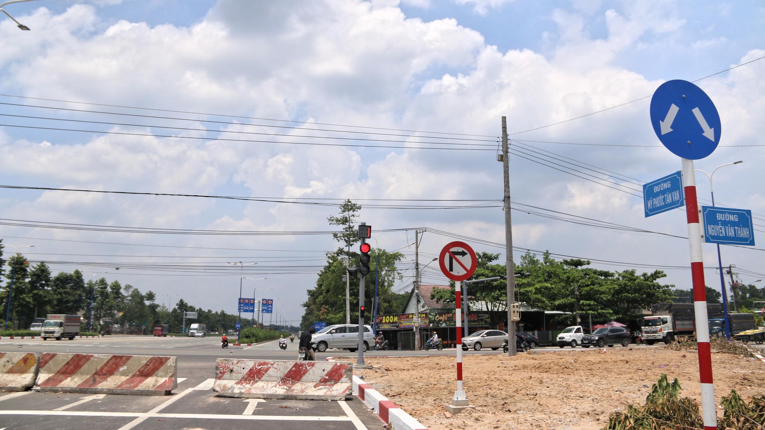 Bình Dương: Cận cảnh tuyến Mỹ Phước - Tân Vạn sắp thông toàn tuyến - Ảnh 14.