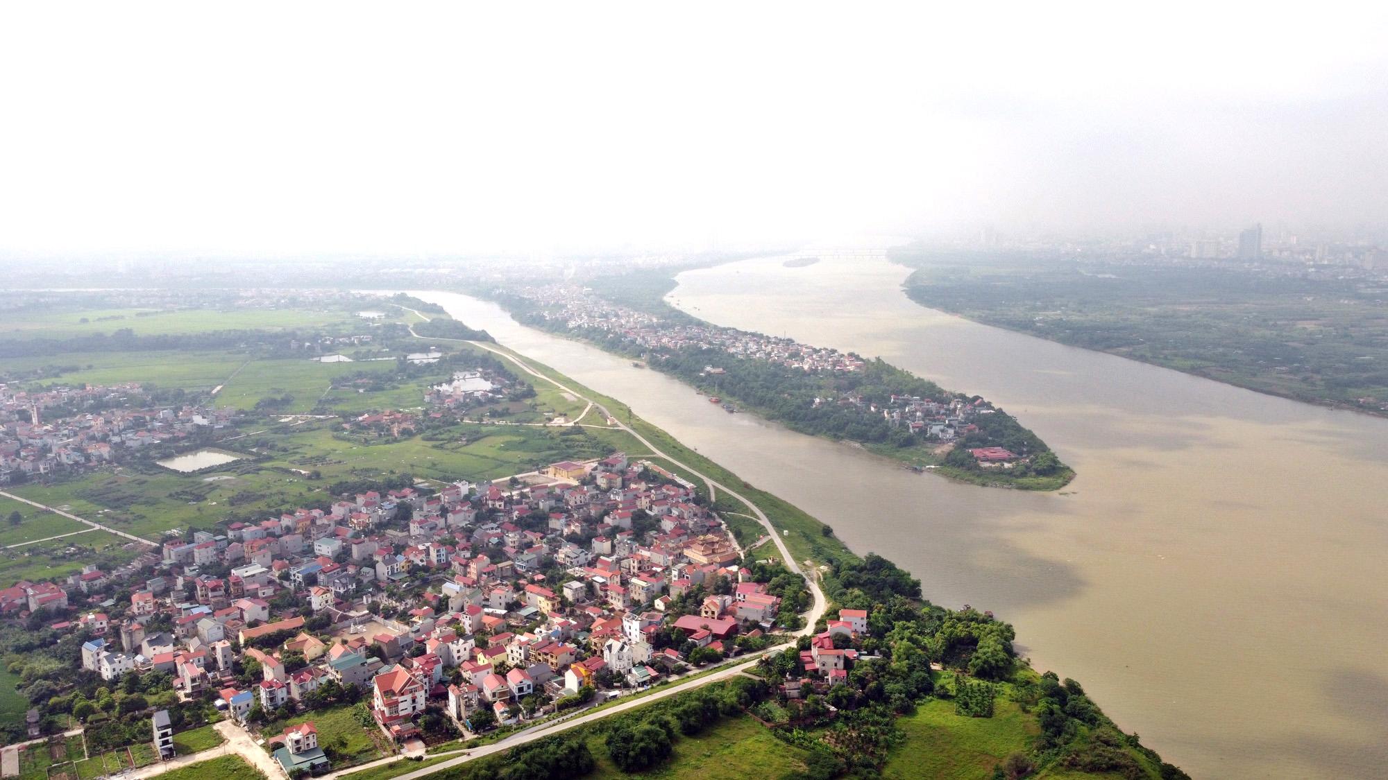 Cận cảnh những 'bán đảo' ngay giữa trung tâm Hà Nội - Ảnh 1.