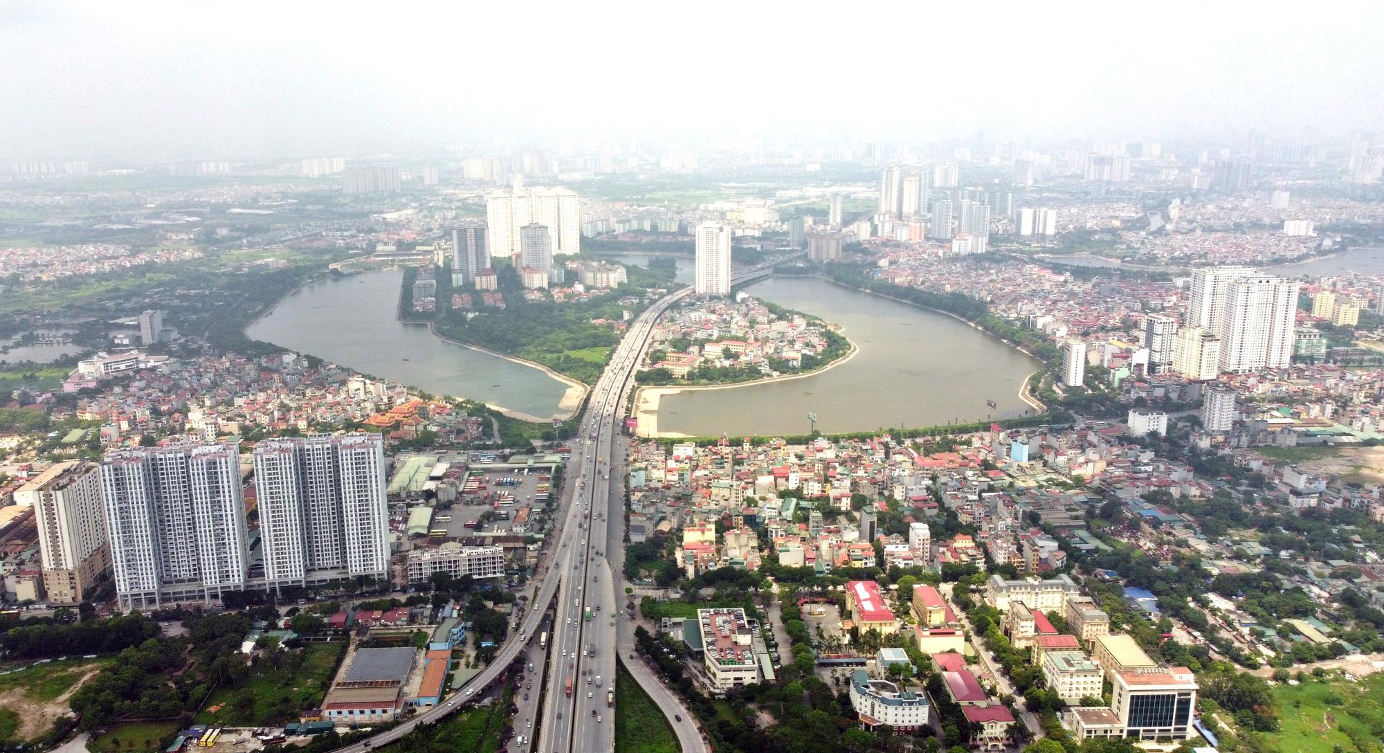 Cận cảnh những 'bán đảo' ngay giữa trung tâm Hà Nội - Ảnh 10.