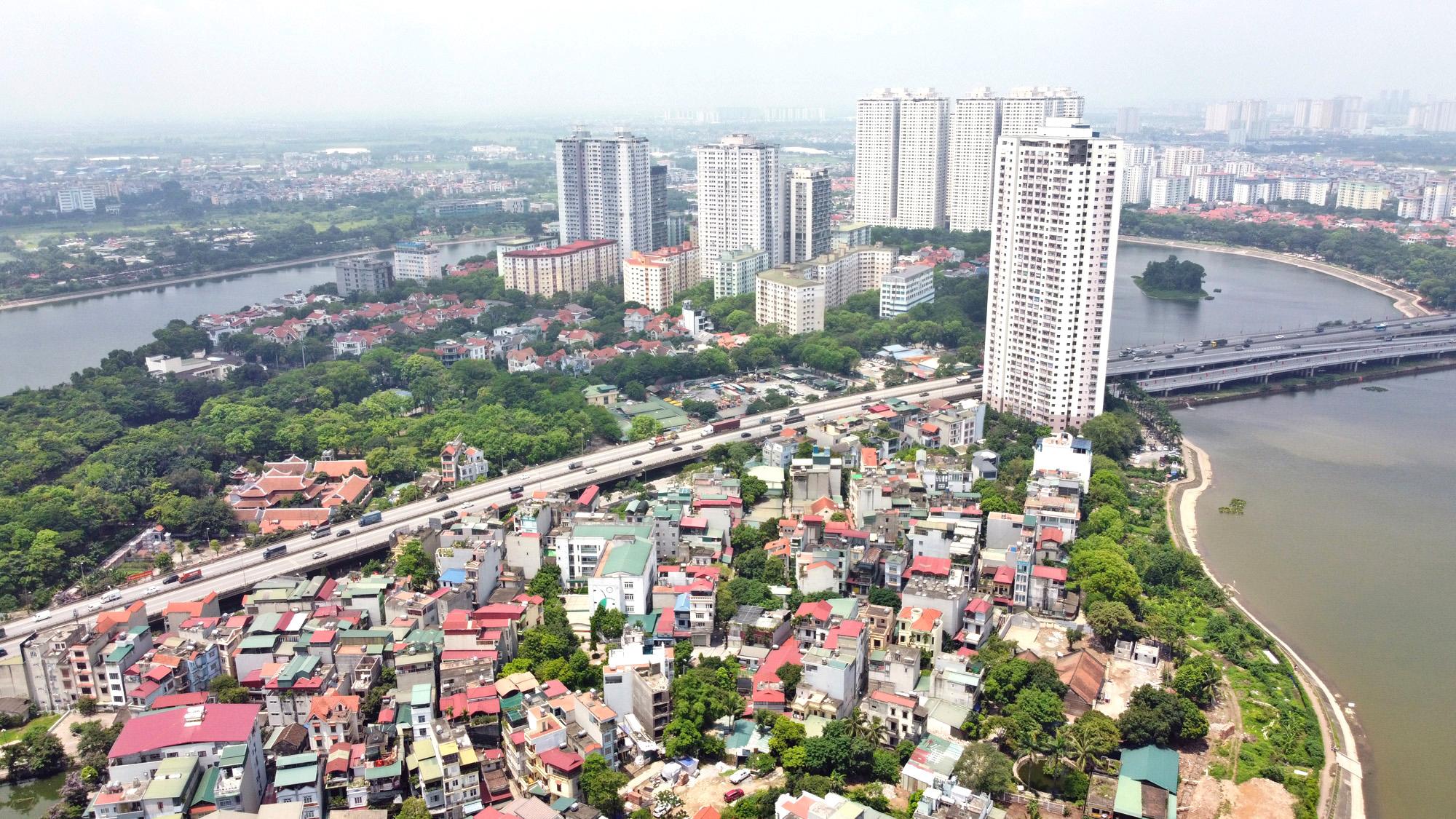Cận cảnh những 'bán đảo' ngay giữa trung tâm Hà Nội - Ảnh 11.