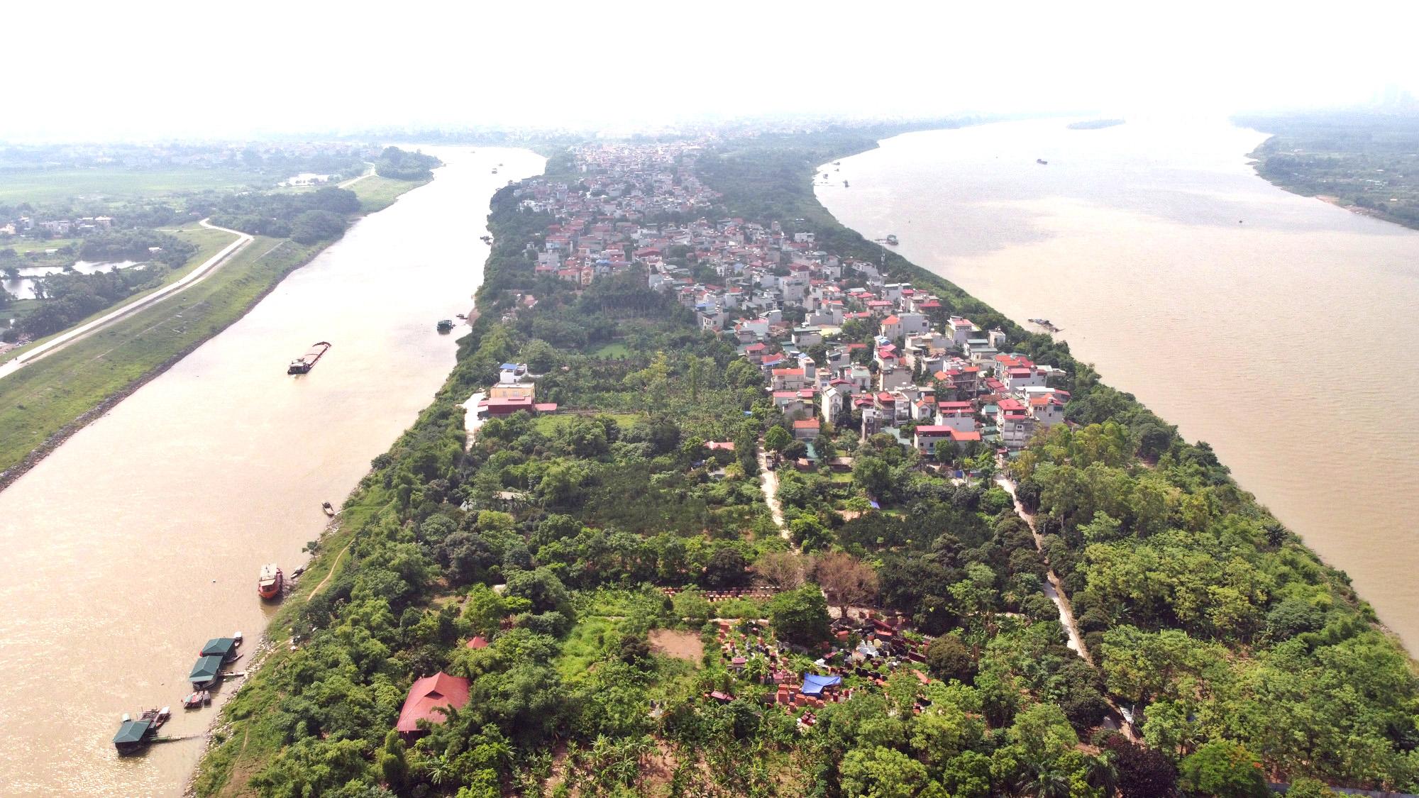 Cận cảnh những 'bán đảo' ngay giữa trung tâm Hà Nội - Ảnh 2.