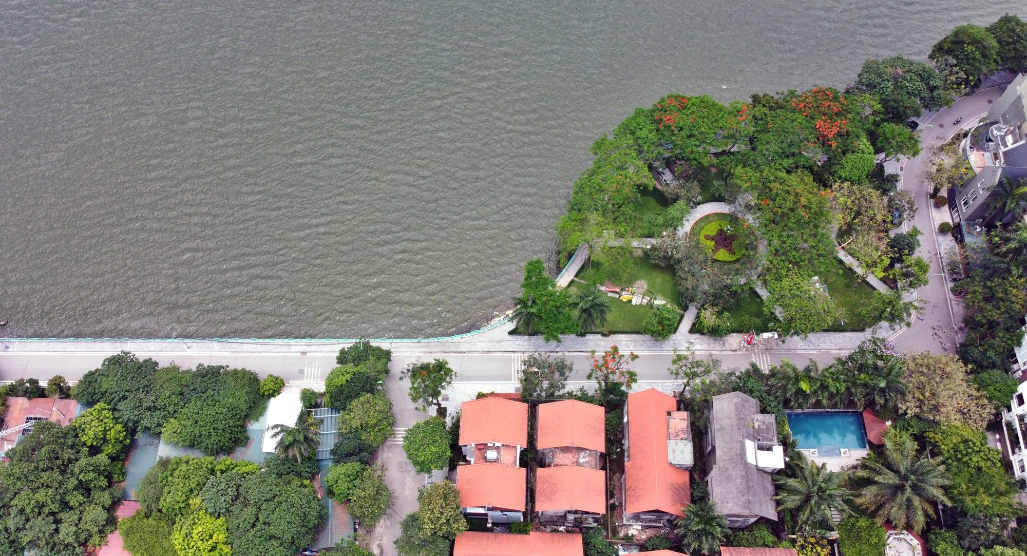 Cận cảnh những 'bán đảo' ngay giữa trung tâm Hà Nội - Ảnh 23.