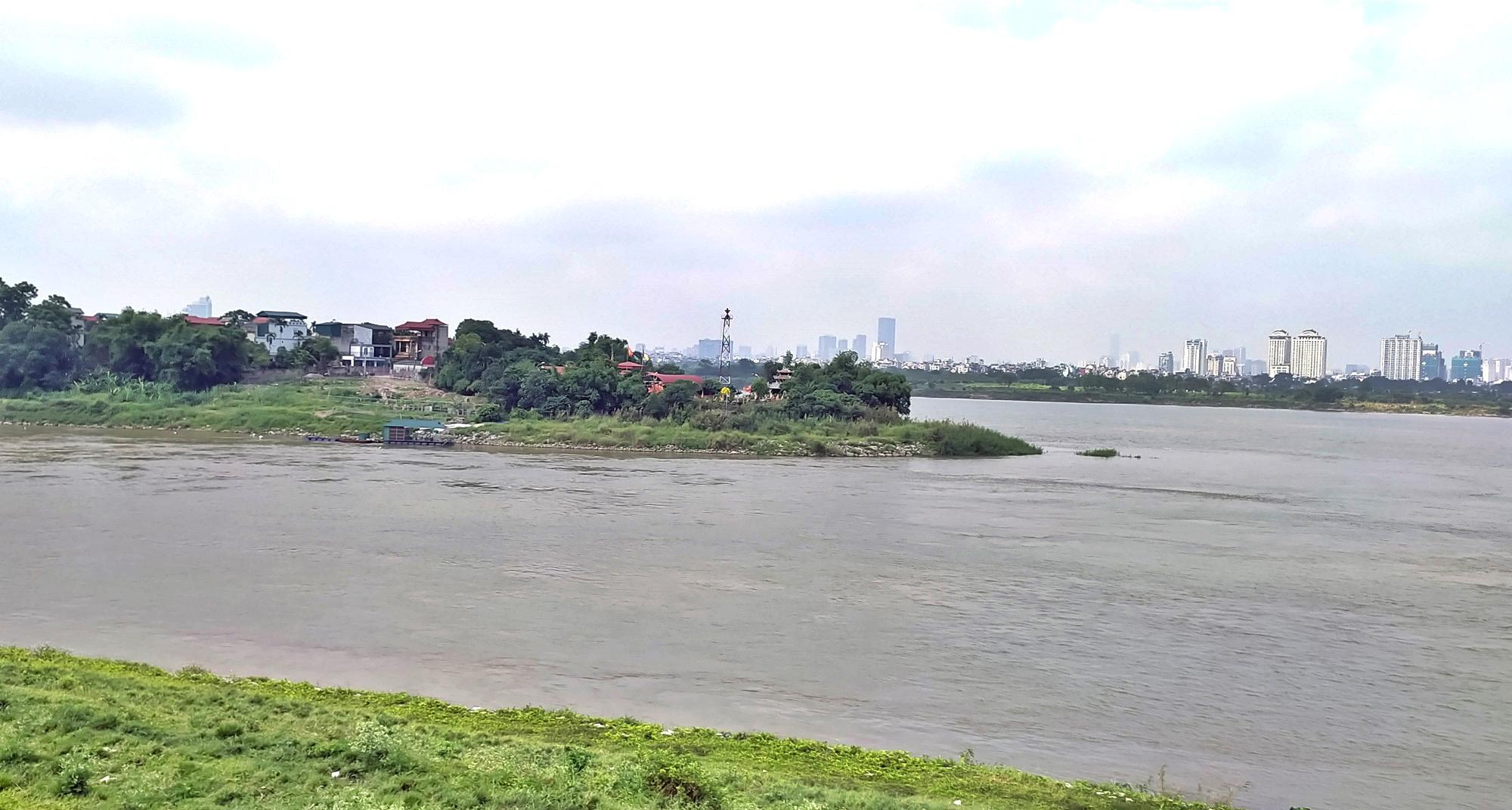 Cận cảnh những 'bán đảo' ngay giữa trung tâm Hà Nội - Ảnh 3.