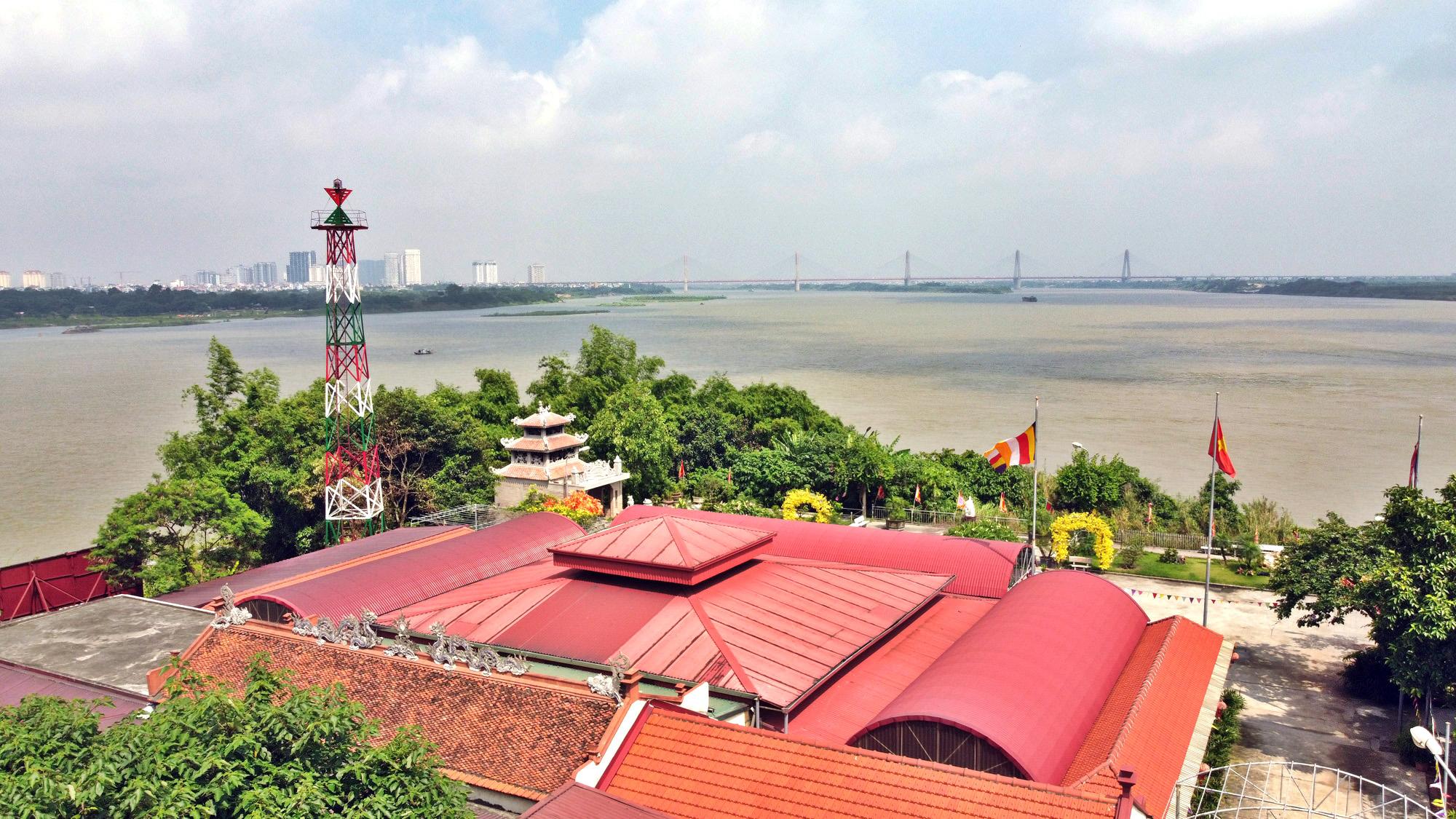 Cận cảnh những 'bán đảo' ngay giữa trung tâm Hà Nội - Ảnh 4.