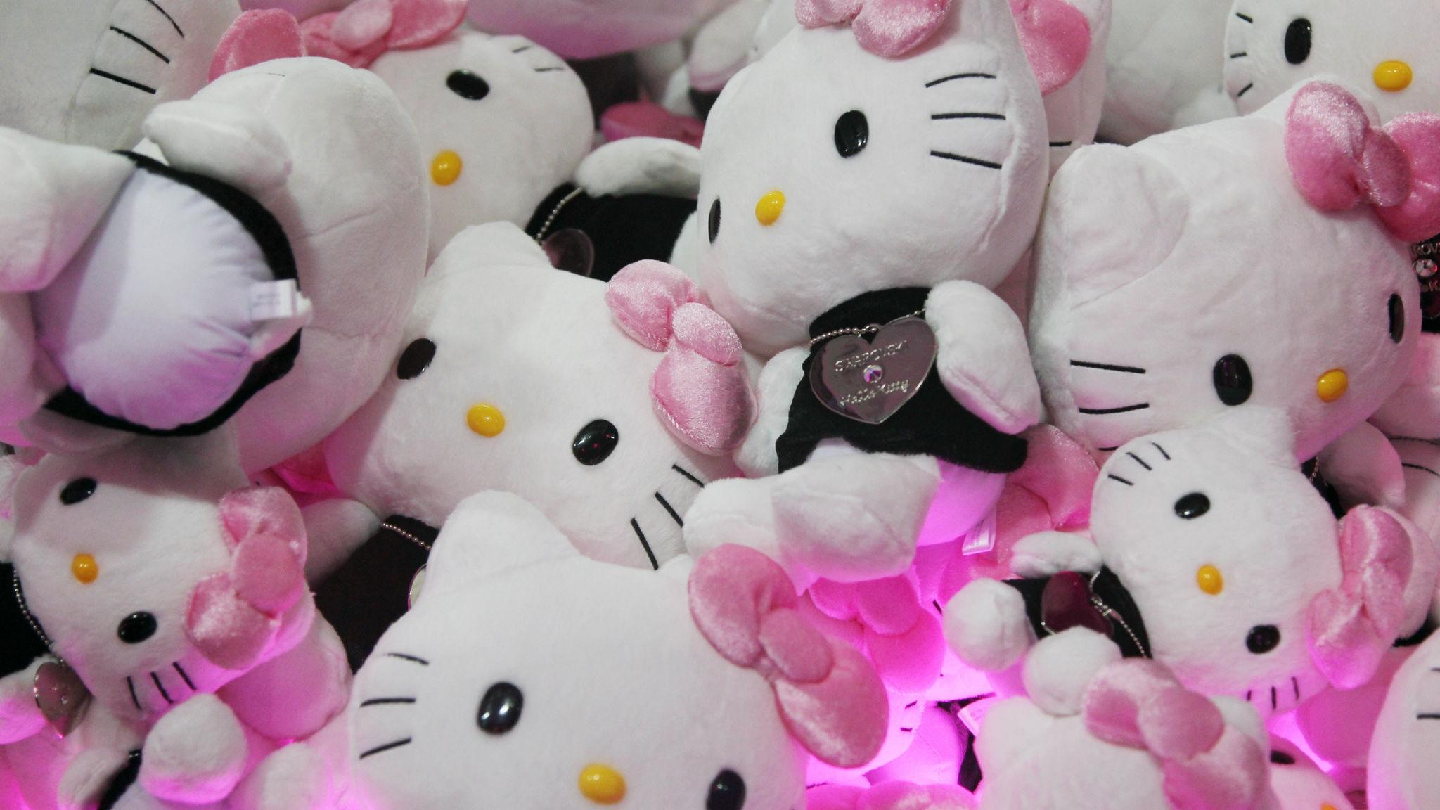 Hello Kitty: Từ công ty bán dép đến thương hiệu tỷ USD thuyết phục thế giới bằng sự dễ thương - Ảnh 1.