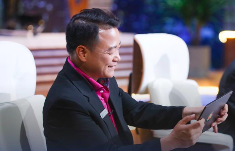 Tất cả các Shark từ chối, riêng Shark Bình chuyển 'tiền tươi' cam kết biến người sáng lập startup bán đồ nam thành trăm triệu phú - Ảnh 2.