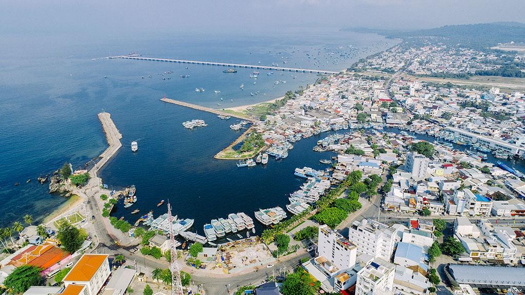 Hơn 1.700 tỷ đồng đang đổ vào 33 dự án giao thông tại Kiên Giang năm nay, nhiều đường ở Phú Quốc - Ảnh 1.