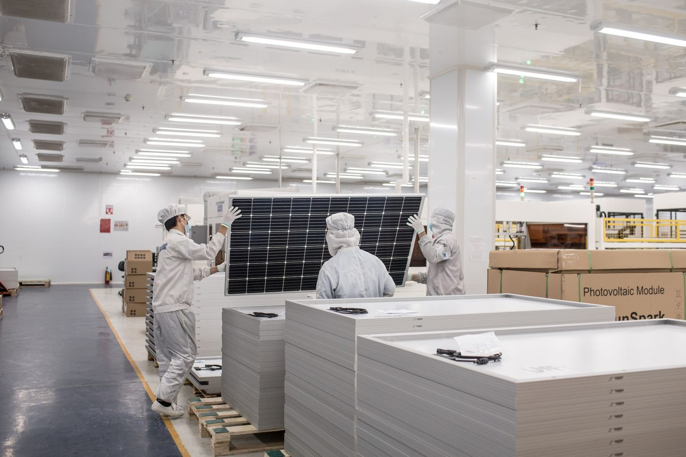 'Tôi chưa từng thấy điện mặt trời bùng nổ ở đâu bằng Việt Nam' - Ảnh 4.