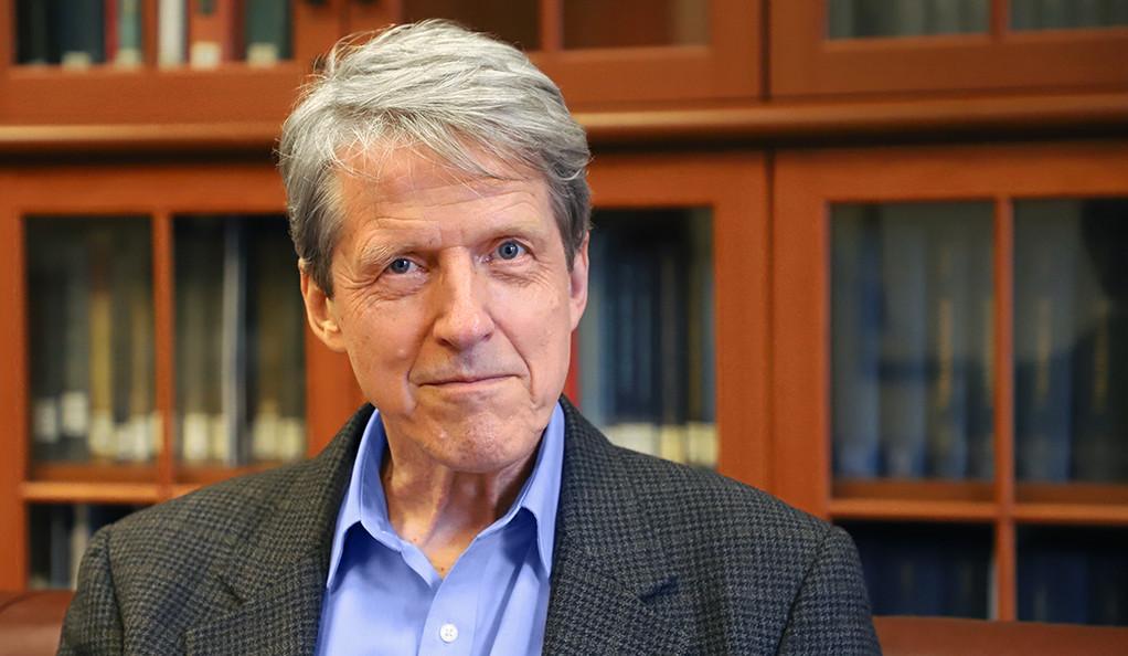 Nhà kinh tế học từng đoạt giải Nobel: 'Giá trị nền tảng của tiền ảo rất mơ hồ' - Ảnh 1.