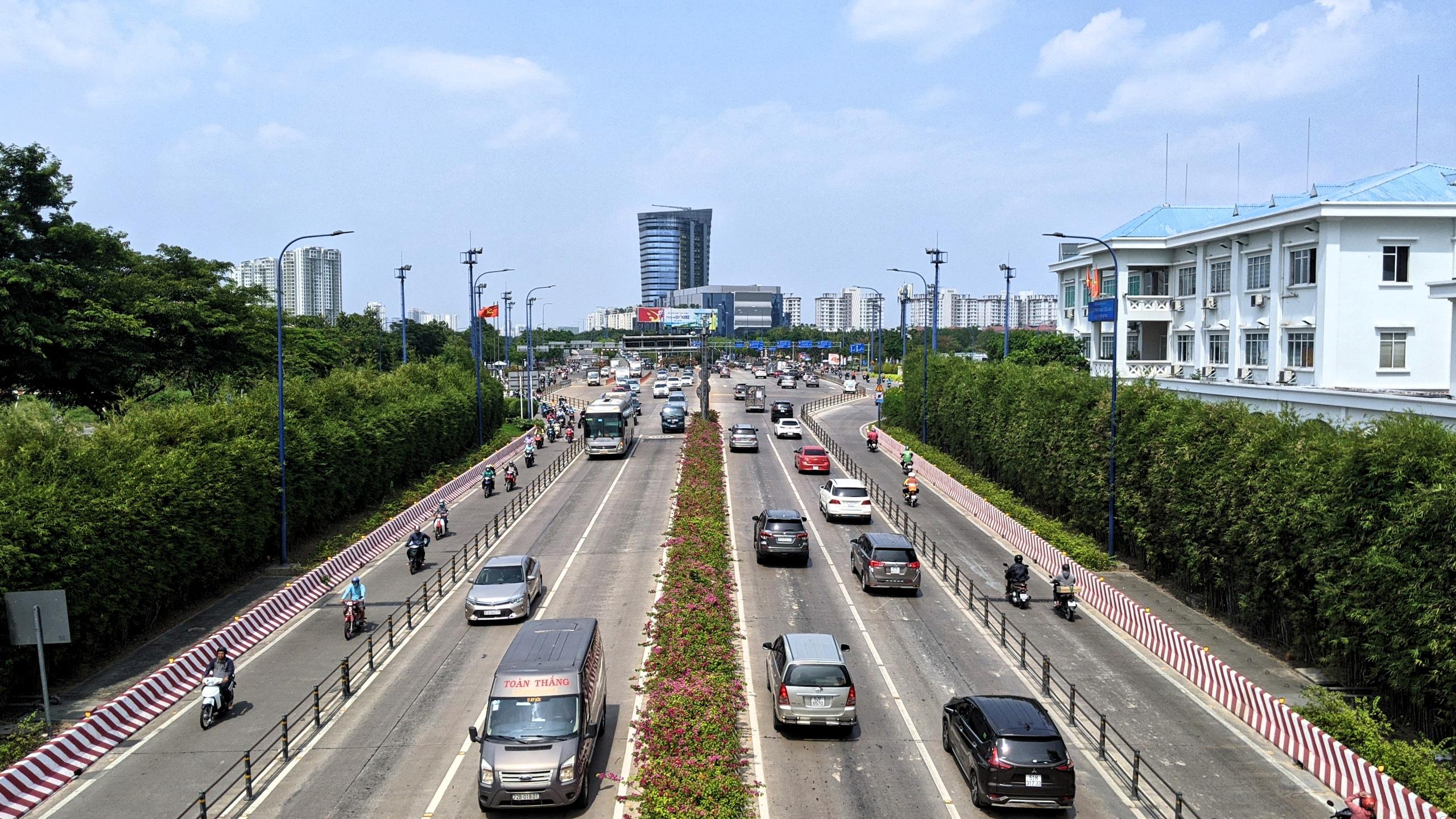 Nhìn lại những tuyến giao thông trọng điểm của TP Thủ Đức - Ảnh 8.
