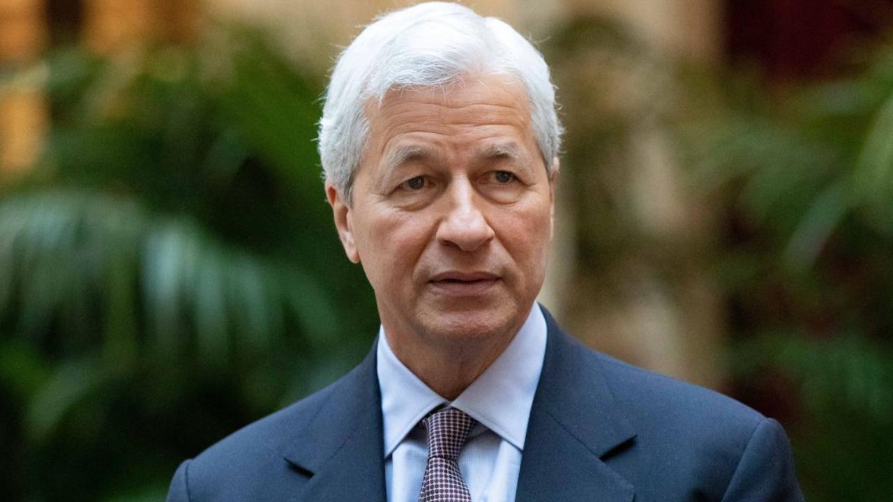 CEO JPMorgan khuyên mọi người nên tránh xa tiền điện tử - Ảnh 1.