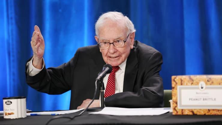 Đến Warren Buffett cũng than phiền vì giá thép tăng mỗi ngày - Ảnh 1.