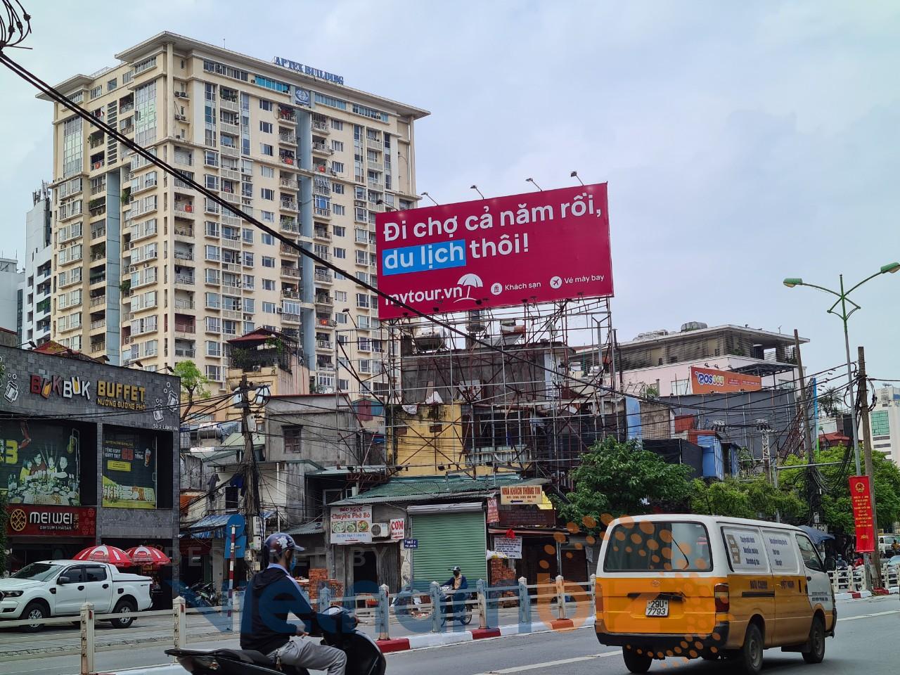 VinID, Mytour 'nổ' cuộc chiến quảng cáo giữa lòng Hà Nội - Ảnh 2.