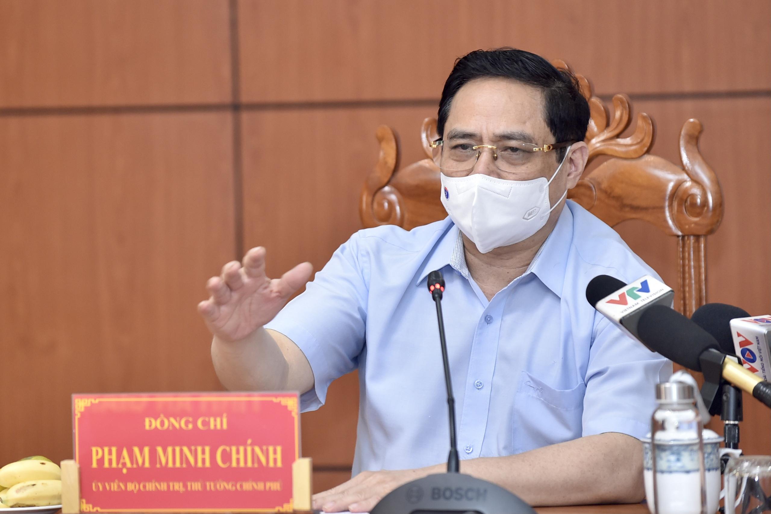 Thủ tướng họp khẩn với 6 tỉnh biên giới Tây Nam về phòng chống dịch COVID-19 - Ảnh 1.