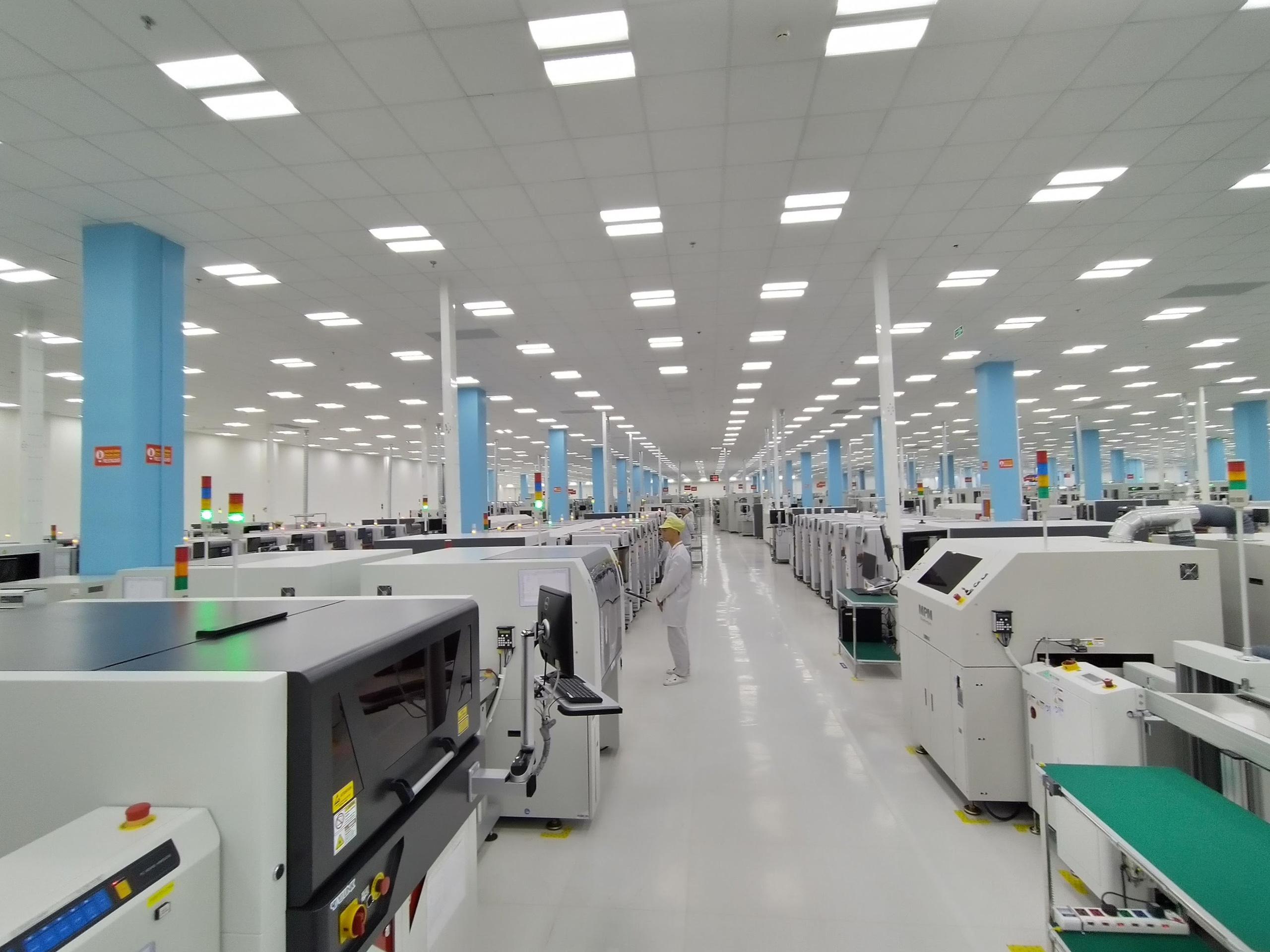Số phận nhà máy công suất 125 triệu thiết bị mỗi năm của VinSmart khi mảng điện thoại bị đóng cửa - Ảnh 2.