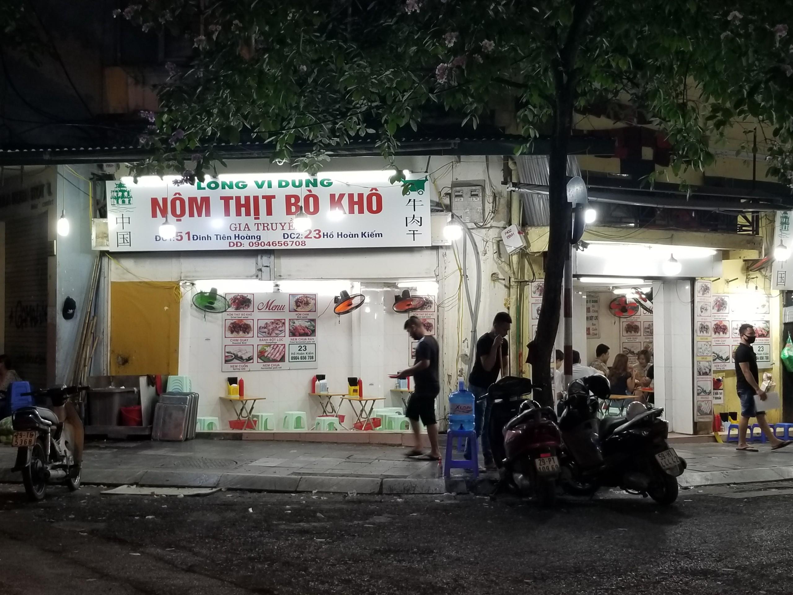 Phố cổ Tạ Hiện buồn hiu ngày dịch, hộ kinh doanh chán nản vì ế khách - Ảnh 8.