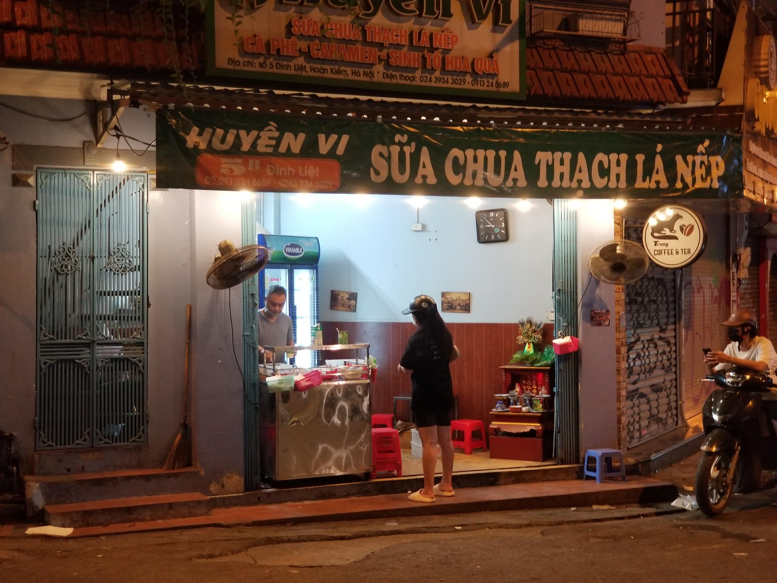 Phố cổ Tạ Hiện buồn hiu ngày dịch, hộ kinh doanh chán nản vì ế khách - Ảnh 5.