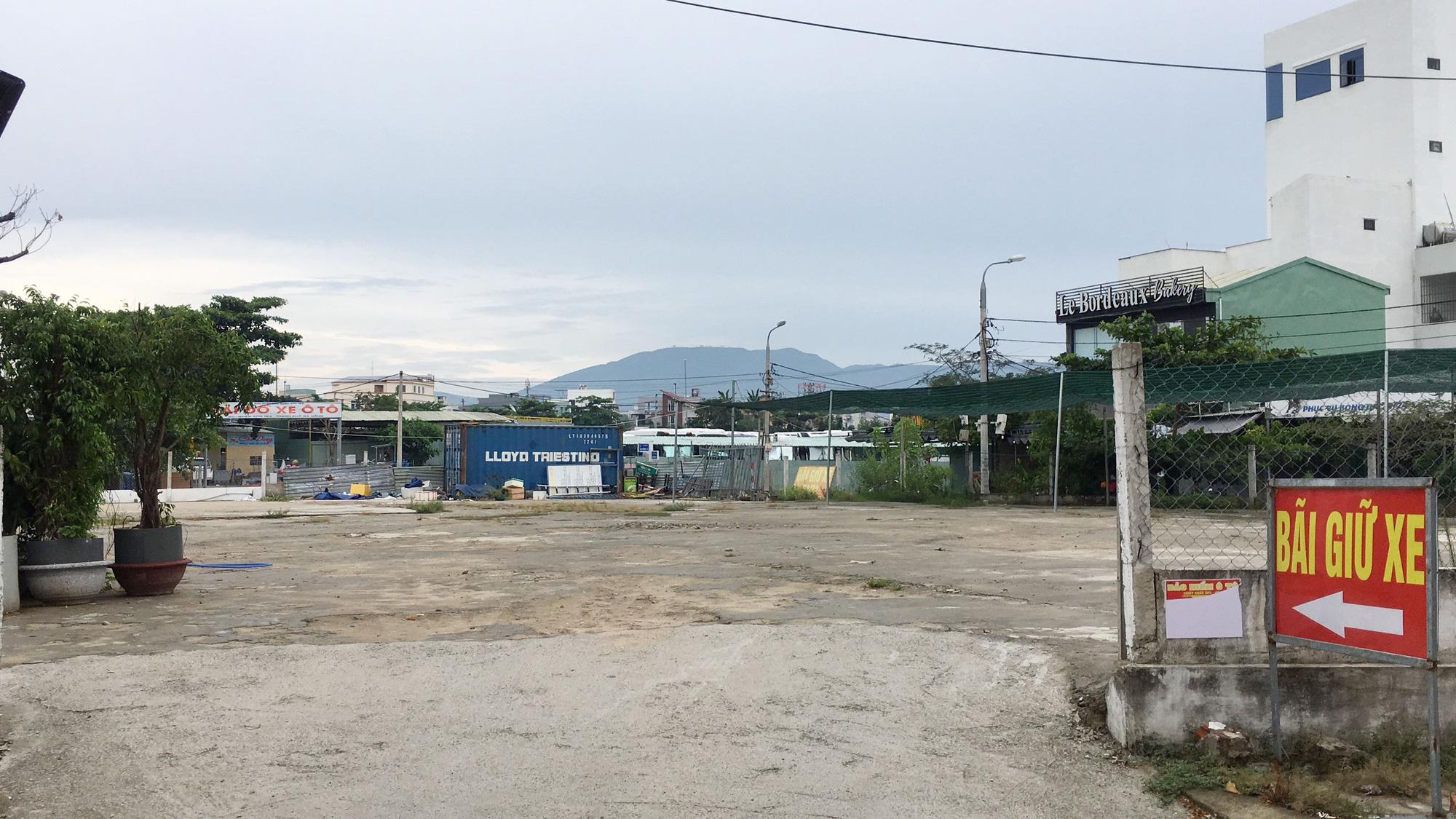 Cận cảnh hai khu đất sát Vincom Đà Nẵng sẽ đấu giá làm bãi đỗ xe - Ảnh 7.