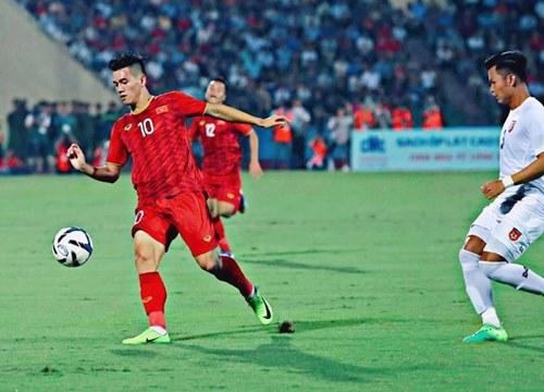 """Những mẫu giày """"lỗi thời"""" giúp đội tuyển quốc gia Việt Nam giành chiến thắng - Ảnh 2."""