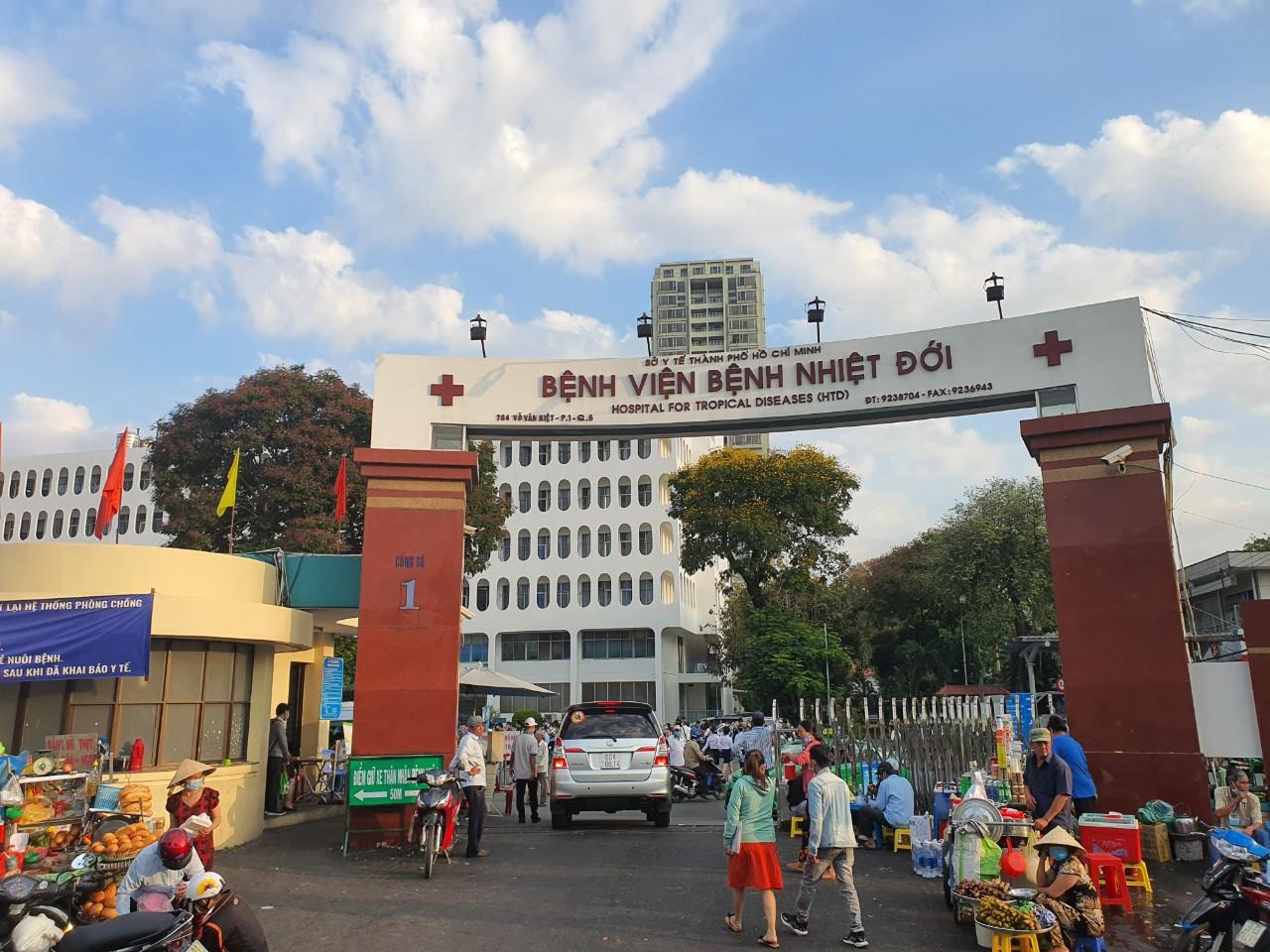 Phát hiện 3 ca nghi nhiễm là nhân viên Bệnh viện Bệnh nhiệt đới TP HCM  - Ảnh 1.