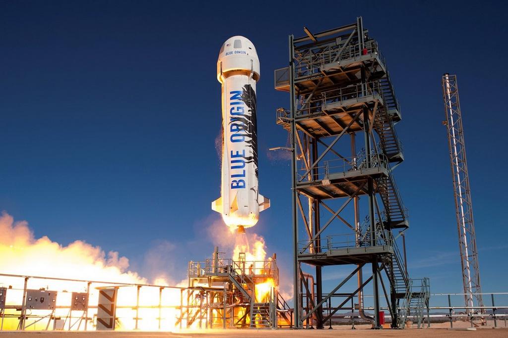 Người giấu mặt chi 28 triệu USD để bay vào vũ trụ cùng Jeff Bezos - Ảnh 1.