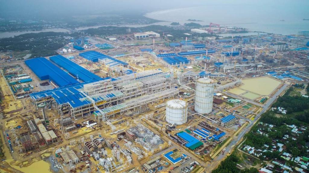 Quảng Ngãi đối thoại trực tiếp với người dân khi nhà máy thép Hòa Phát gây nhiều tranh cãi - Ảnh 3.