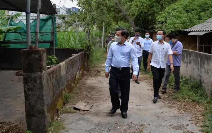 Chủ tịch tỉnh Quảng Ngãi yêu cầu dừng thi công khu vực mở rộng Nhà máy thép Hoà Phát, di dời dân khỏi vùng ô nhiễm - Ảnh 4.