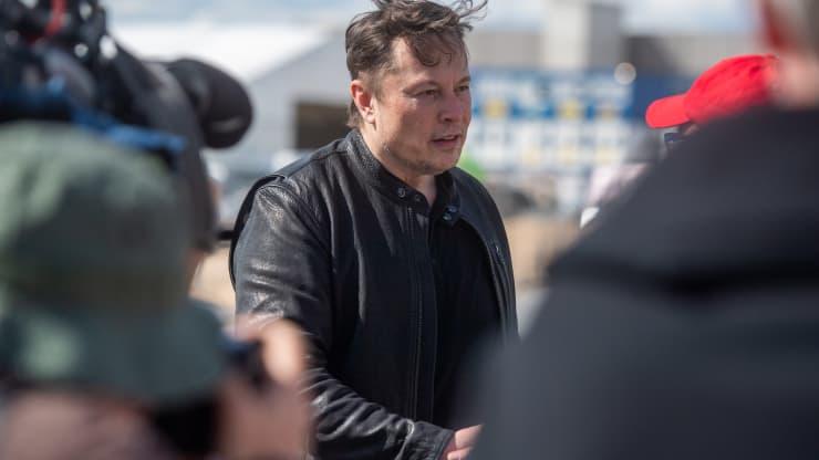 Elon Musk tuyên bố Tesla sẽ lại chấp nhận bitcoin khi thợ đào dùng năng lượng sạch hơn, giá vượt mốc 39.000 USD - Ảnh 1.