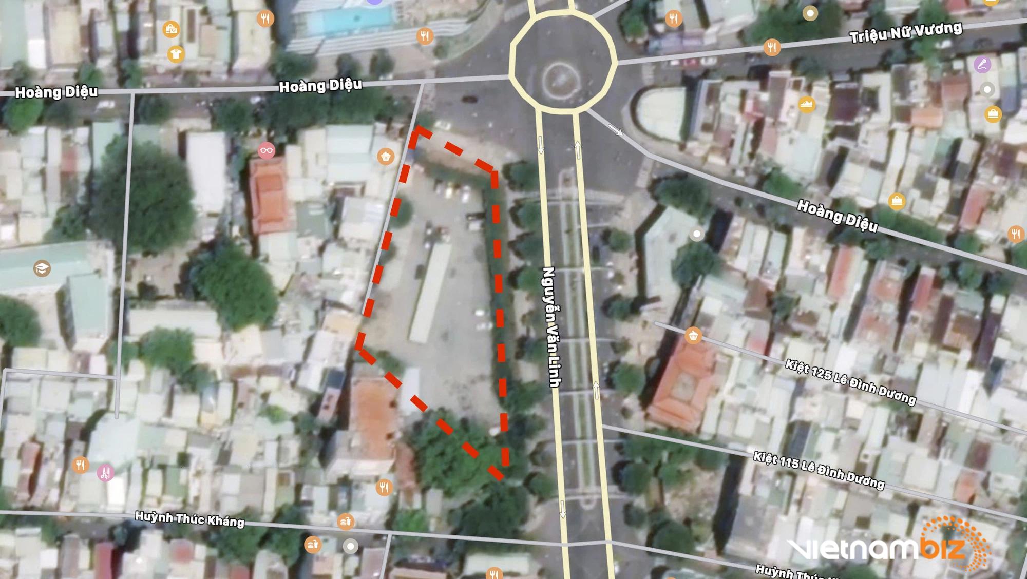 Cận cảnh hai khu đất gần cầu Rồng, Đà Nẵng sẽ đấu giá làm bãi đỗ xe - Ảnh 1.