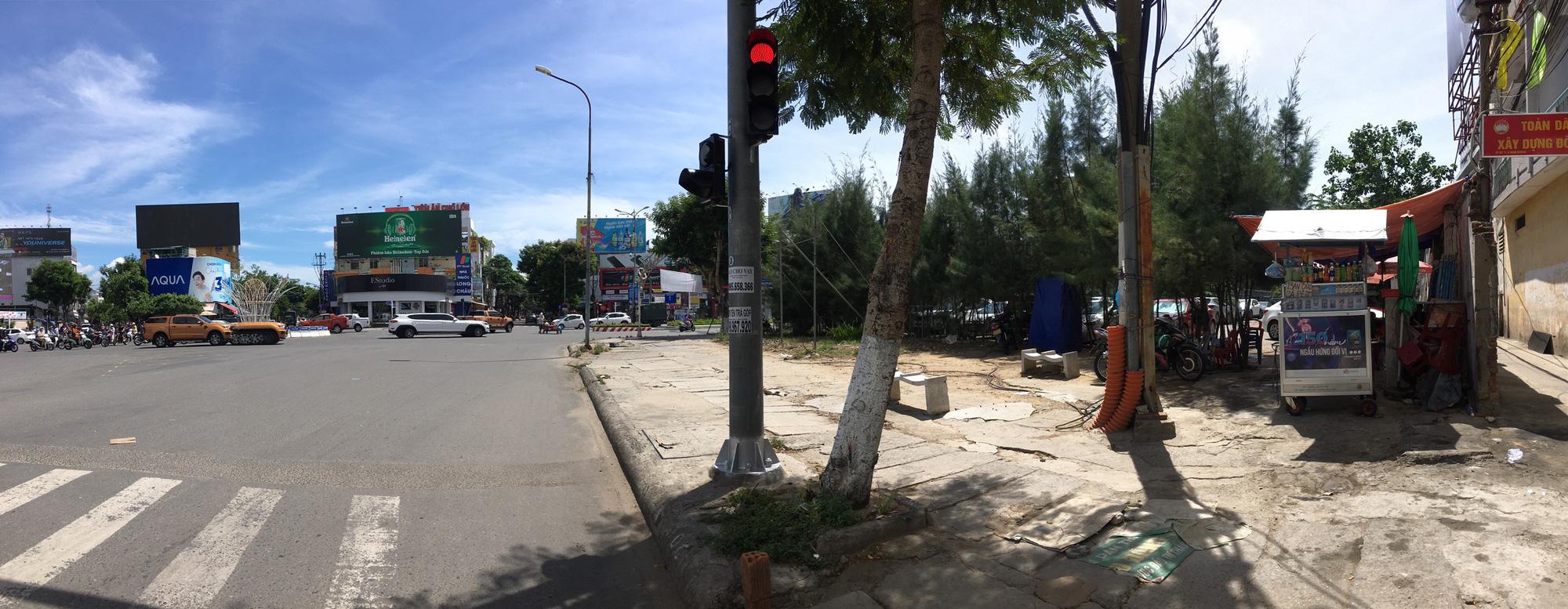 Cận cảnh hai khu đất gần cầu Rồng, Đà Nẵng sẽ đấu giá làm bãi đỗ xe - Ảnh 3.