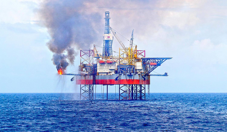 FiinGroup: Lợi nhuận ngành dầu khí sẽ tăng trưởng gần 741% năm 2021 - Ảnh 1.