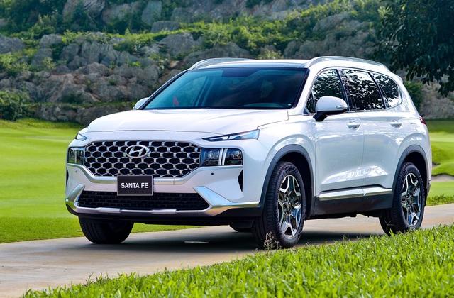 Bảng giá xe Hyundai tháng 6/2021: Santa Fe tăng giá tới 100 triệu đồng - Ảnh 1.