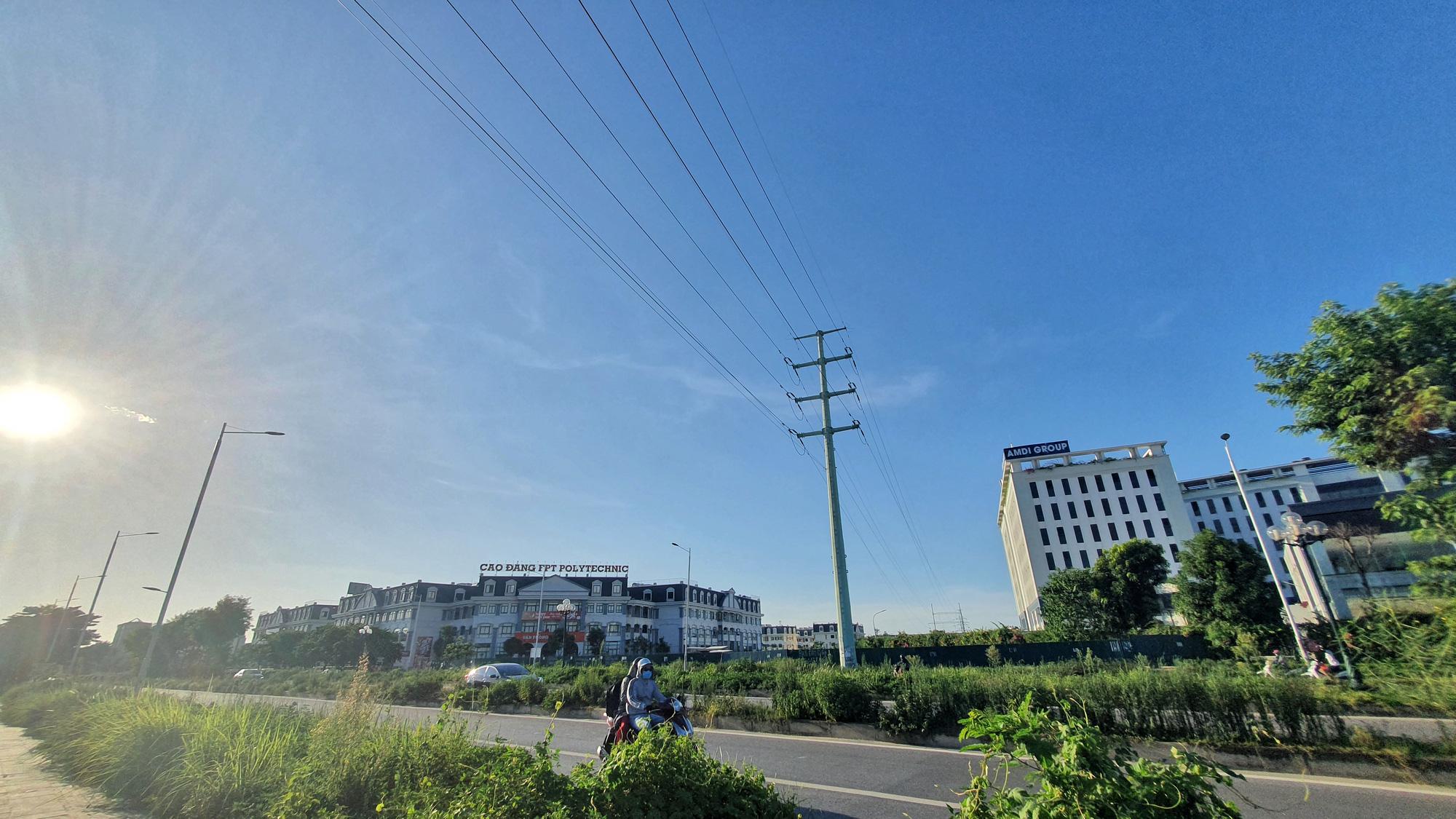 Cận cảnh đường nối KĐT Xuân Phương - Quốc lộ 32 sắp mở ở Nam Từ Liêm, Hà Nội - Ảnh 9.