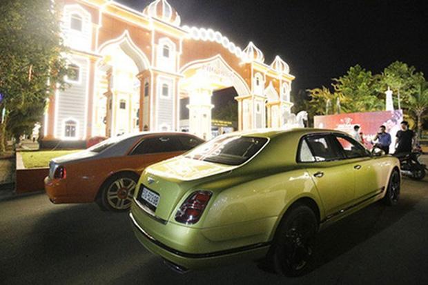 Doanh nhân Nguyễn Phương Hằng sở hữu dàn 'xế hộp' trị giá hàng trăm tỷ đồng, là tín đồ của Rolls-Royce và Bentley - Ảnh 3.