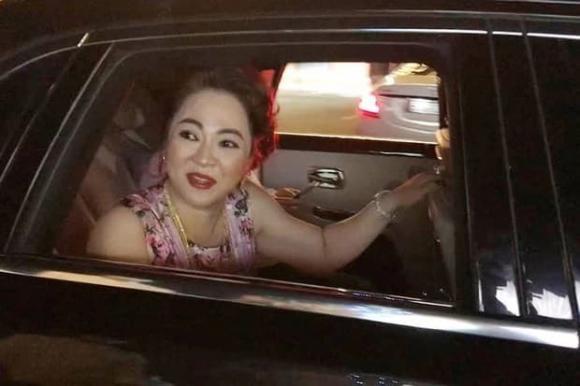 Doanh nhân Nguyễn Phương Hằng sở hữu dàn 'xế hộp' trị giá hàng trăm tỷ đồng, là tín đồ của Rolls-Royce và Bentley - Ảnh 2.
