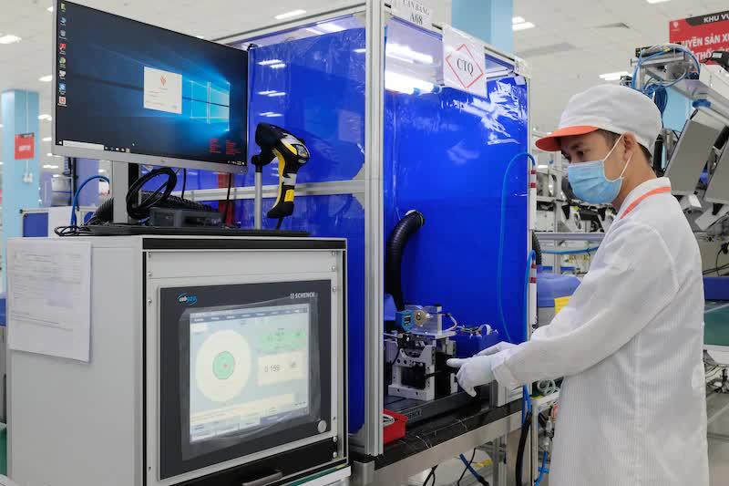 Tổng cộng Vingroup đã chi gần 1 tỷ USD cho phòng chống dịch COVID-19, bằng một nửa lợi nhuận năm 2020 - Ảnh 1.