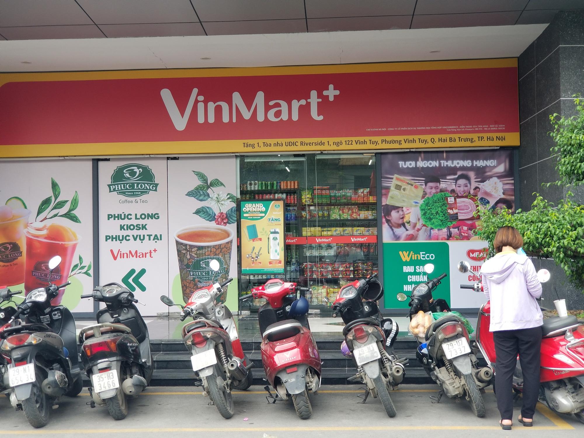 Cửa hàng VinMart+ kết hợp với dịch vụ tài chính Techcombank cùng kiosk Phúc Long lần đầu xuất hiện tại Hà Nội - Ảnh 10.