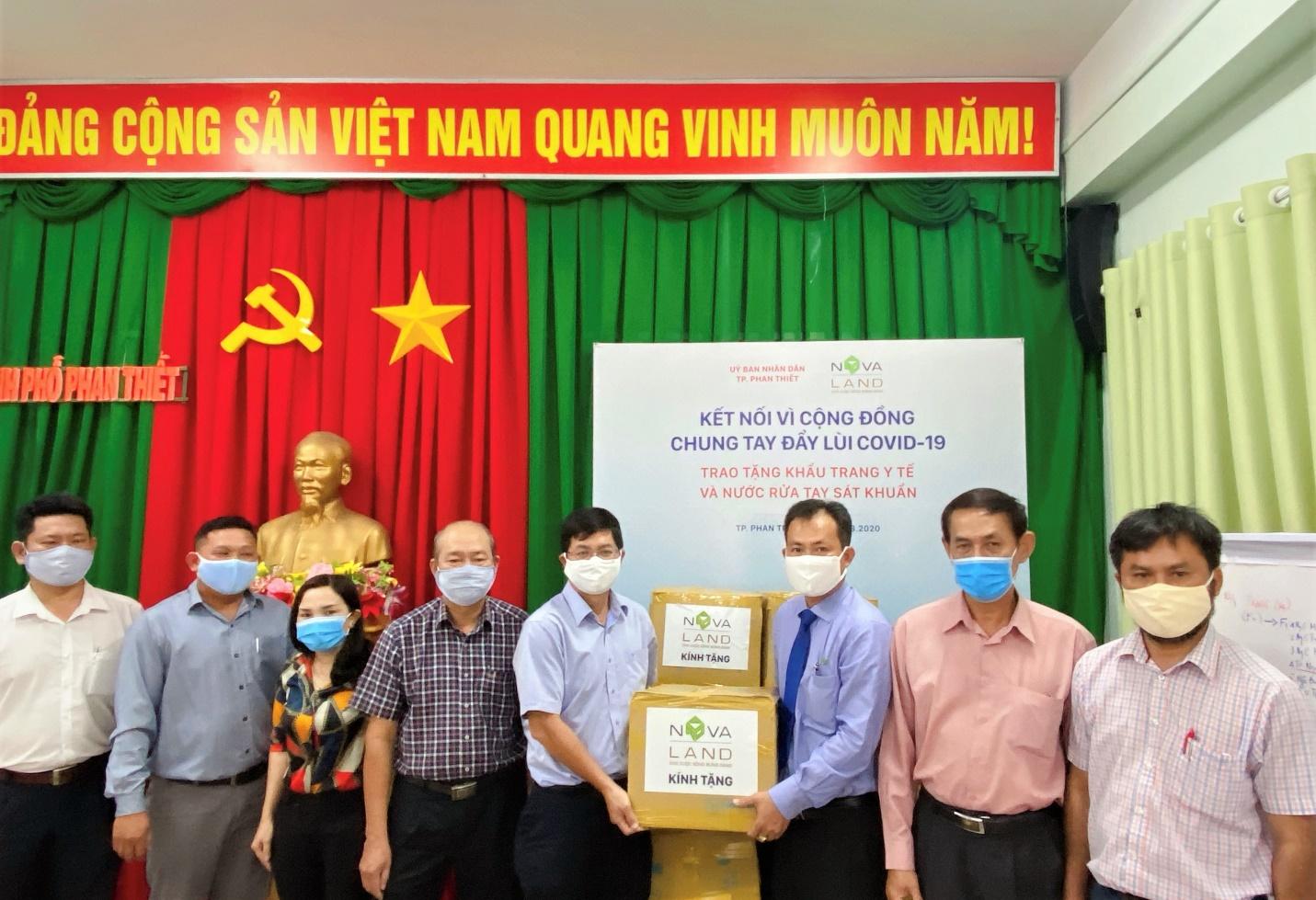 Novaland hỗ trợ trang thiết bị y tế cho Bình Thuận phòng, chống COVID-19 - Ảnh 2.